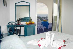 Forio d'Ischia. Hotel Residence La Rosa Schlafzimmer